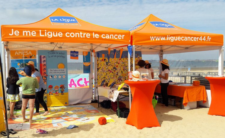 tentes pliantes V3 PRO de la ligue contre la cancer