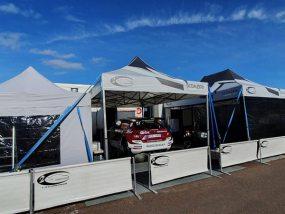 tente pliante V2 de 2C Competition au rallye de Grande-Bretagne