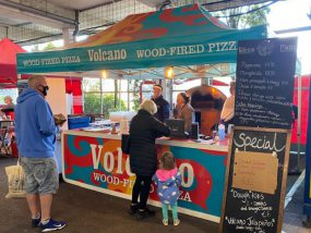 barnum pliant de Volcano wood-fired pizza