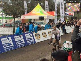 Tente pliante V3 garden personnalisée aux championnats de France de cyclo-cross