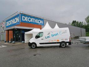 tentes pliantes V3 PRO devant le Decathlon d'Aix les bains - Grésy Sur Aix