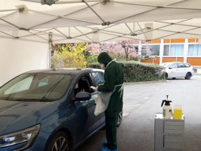 Drive test COVID-19 au laboratoire Synlab de Lille