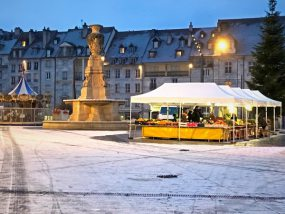 Marché de Besançon enneigé