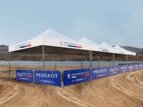 Tentes pliantes V2 5x5m pour la concession Peugeot de Slagelse au Danemark