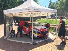 tente pliante V3 PRO HEXA 5 de Sébastien Loeb Racing au rallye terre du Haut-Var
