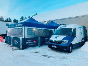 Tente paddock de Kaur Motorsport au rallye de Finlande