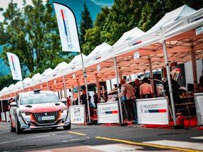 tentes paddocks de la 208 Rally Cup