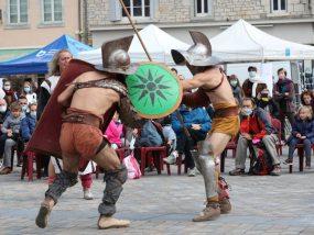 tentes pliantes V3 PRO du grand Besançon lors d'une animation de combats de gladiateurs