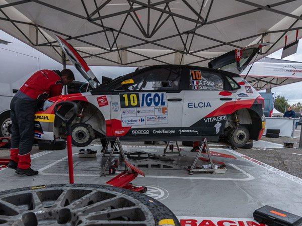 tentes paddocks de Sébastien Loeb Racing au rallye d'Antibes