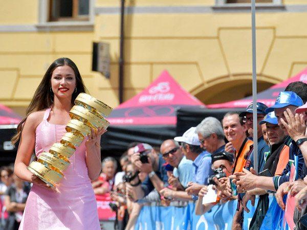 tentes pliantes V2 au Giro d'Italie
