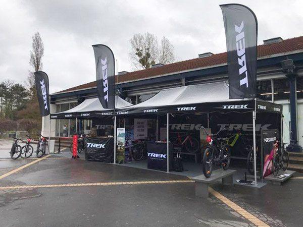 Tentes publicitaires de Trek au salon Vélo in Paris